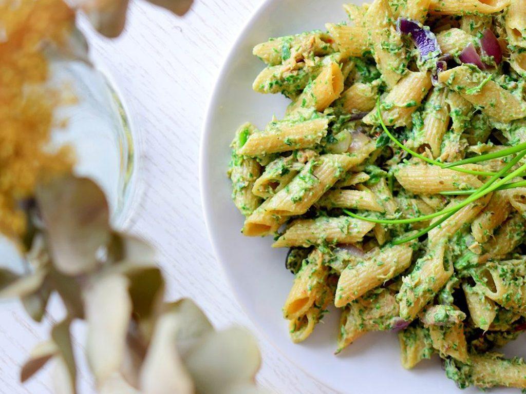 Pasta met een saus van spinazie en ricotta | Healthy Wanderlust