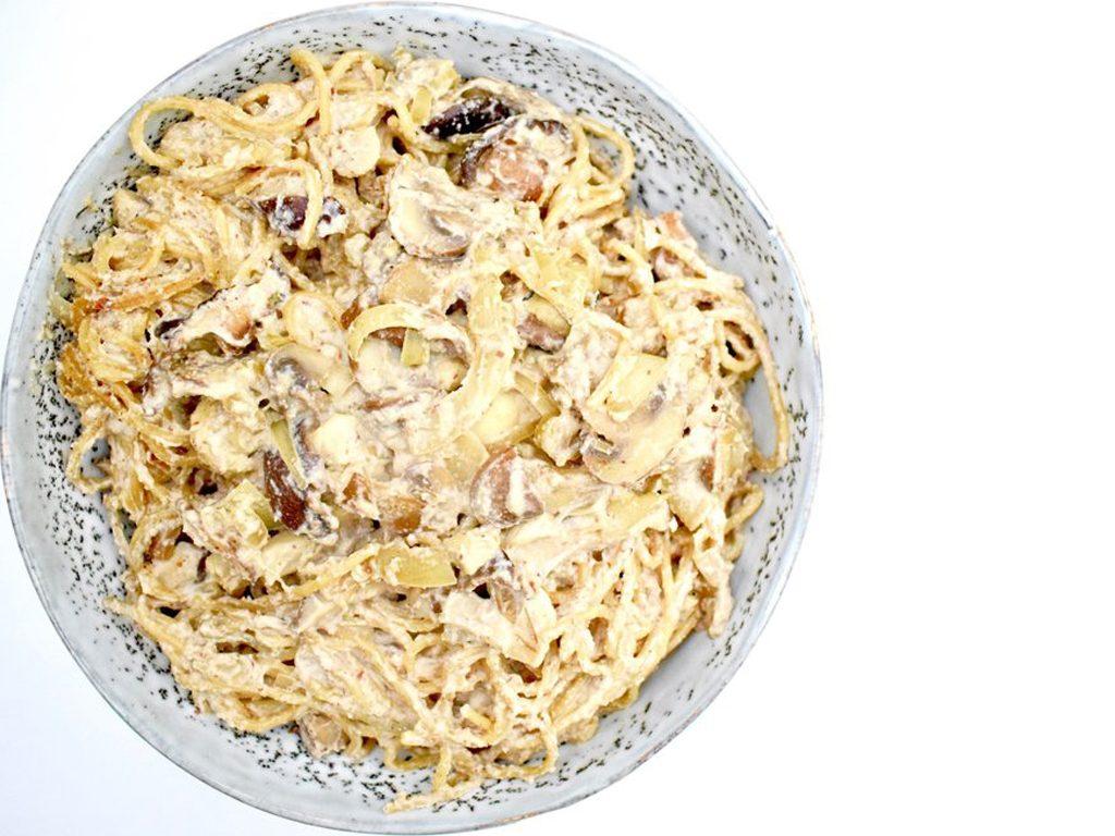 Vegan pasta met romige paddenstoelen saus | Vegan recept