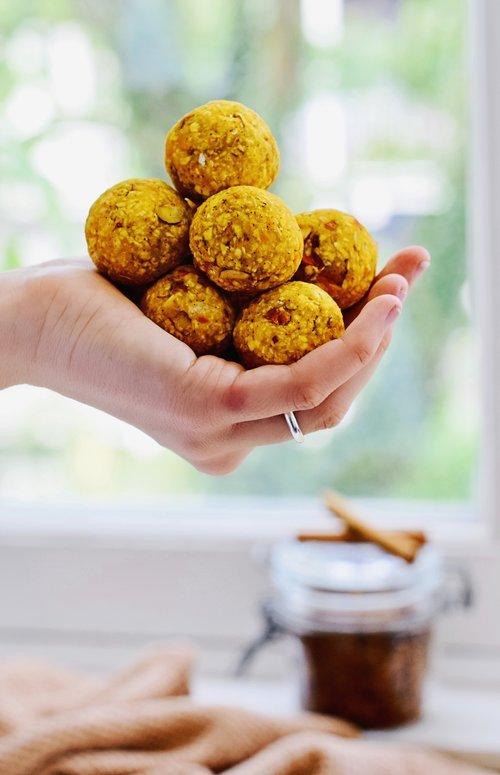 Bliss balls snack | Pumkpin latte | Healthy Wanderlust