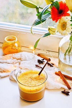 CINNAMON TURMERIC LATTE | HEALTHY COFFEE