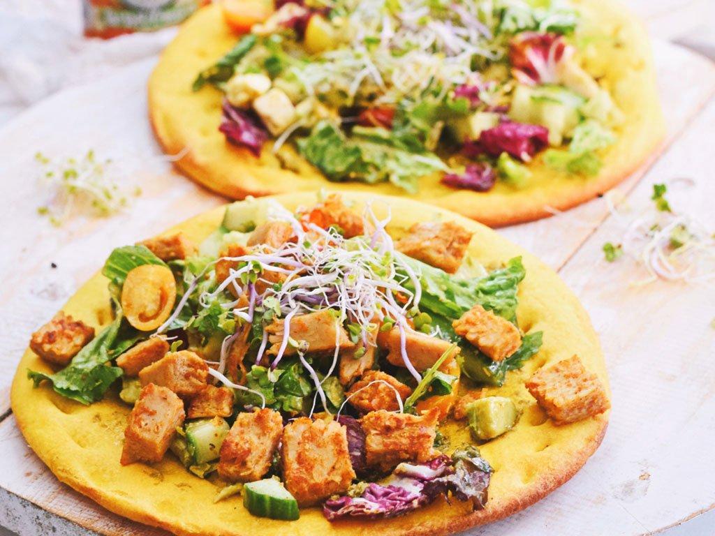 Salade pizza | Recept voor een gezonde pizza | Healthy Wanderlust